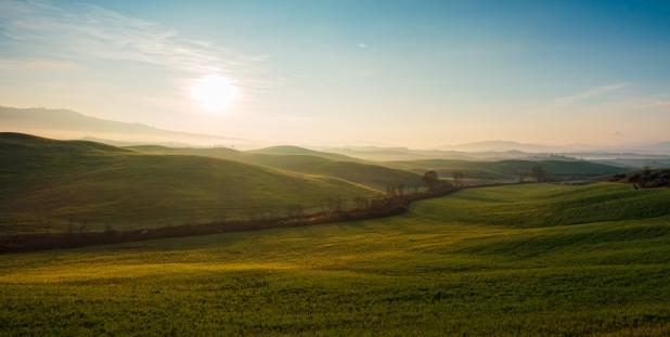 Die nördliche Toskana im Morgennebel I